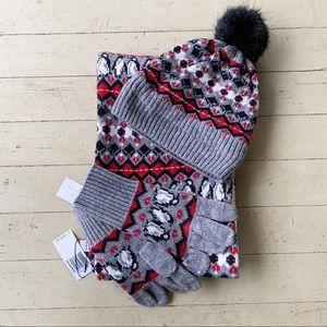 NWT Vera Bradley Playful Penguins hat scarf gloves